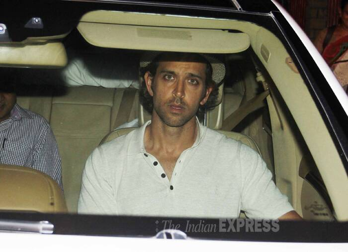 Hrithik is baffled by the shutterbugs. (Source: Varinder Chawla)