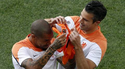 Robin Van Persie and Wesley Sneijder during their training session at the Corinthians arena in Sao Paulo (Source: Reuters)