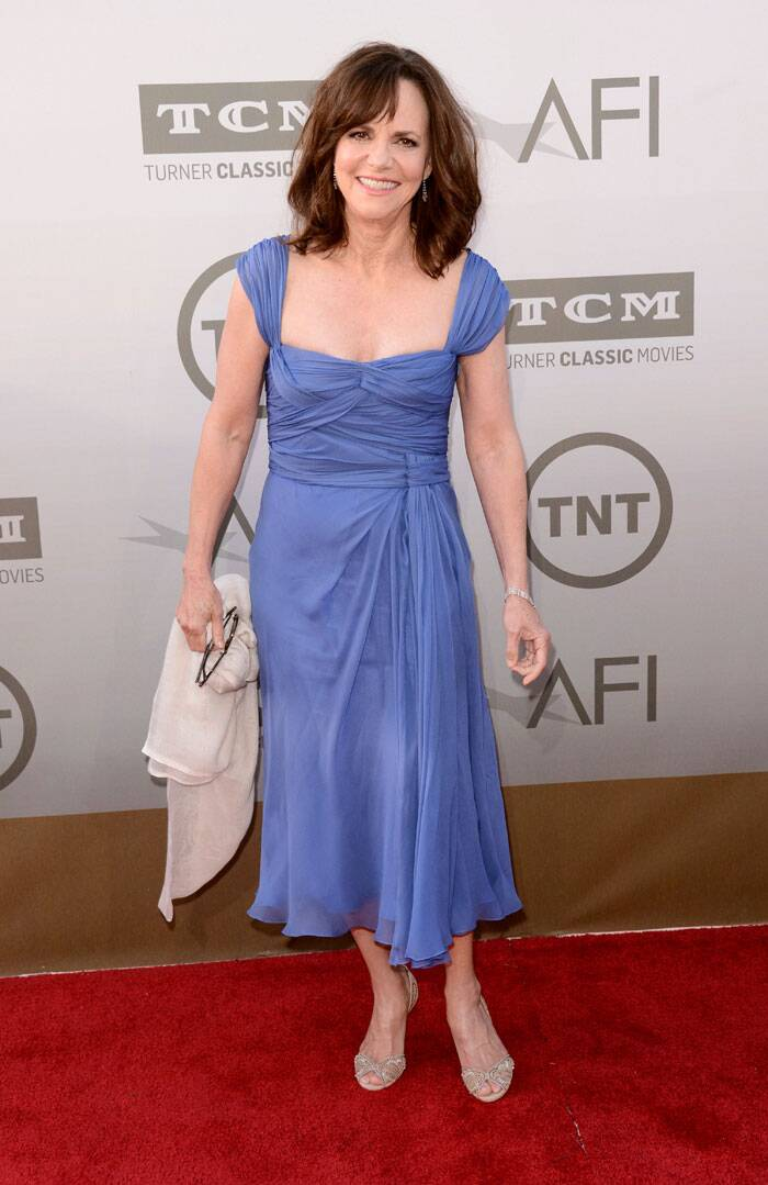 'Brothers and Sisters' actress Sally Field was all smiles in a lavender dress with peep toe sandals. (Source: AP)