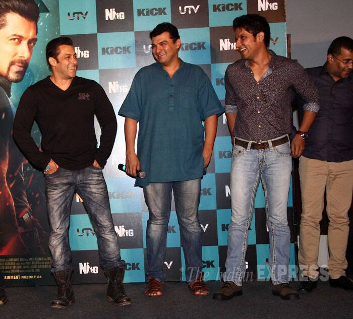 Salman Khan shares a light moment with producer Siddharth Roy Kapur and actor Randeep Hooda. (Source: Varinder Chawla)