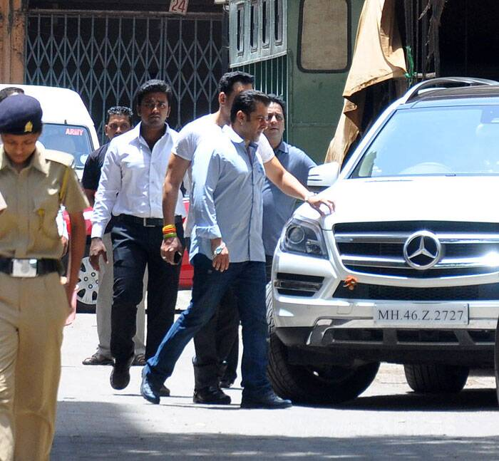 The case recently took a turn when one of the witnesses involved in the case retracted his police statement in a court, saying he had not said that the actor had got down from the driver's seat of his vehicle and ran away after the accident occurred in suburban Bandra. (Source: Varinder Chawla)