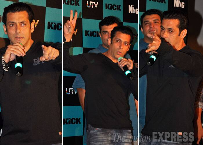 Salman Khan was casual in black V-neck t-shirt and blue jeans. (Source: Varinder Chawla)