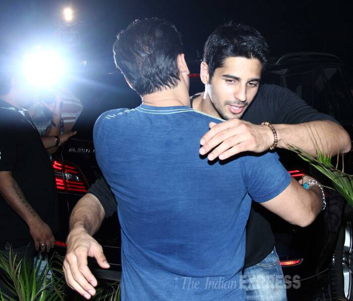 Sidharth hugs Salman Khan. (Source: Varinder Chawla)