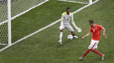 Haris Seferovic scores a stoppage time winner as Switzerland fought back win 2-1 against Ecuador (Source: AP)