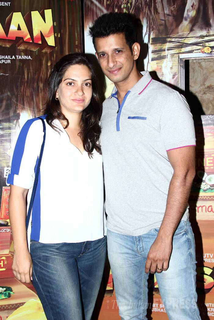 Sharman Joshi smiles for a picture along with wife Prerana. (Source: Varinder Chawla)