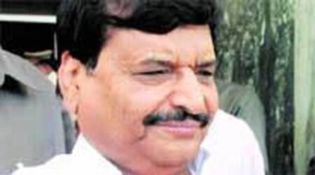 Shivpal demands Bharat Ratna for AMU founder