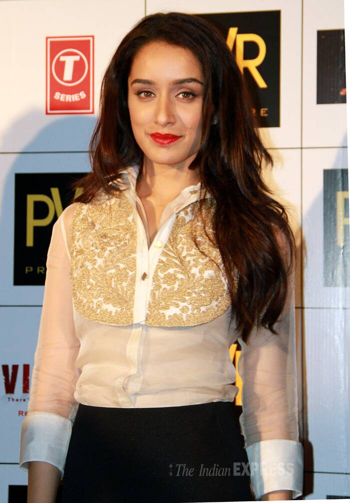 "At the event Shraddha said, ""Mohit Suri is my biggest critic. He points out my mistakes on my face without any hesitation. He knows how to extract the best from me. At the same time he gives me enough space to perform."" (Source: Photo by Ajnavi Tarannum)"