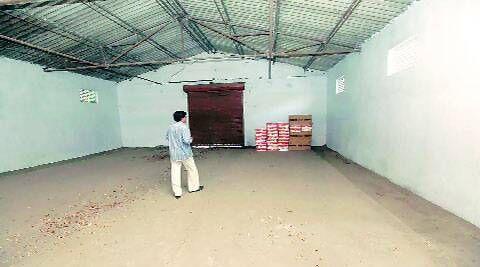 Shed housing contributions from Andhra Pradesh and Jammu & Kashmir has only 94 cartons.