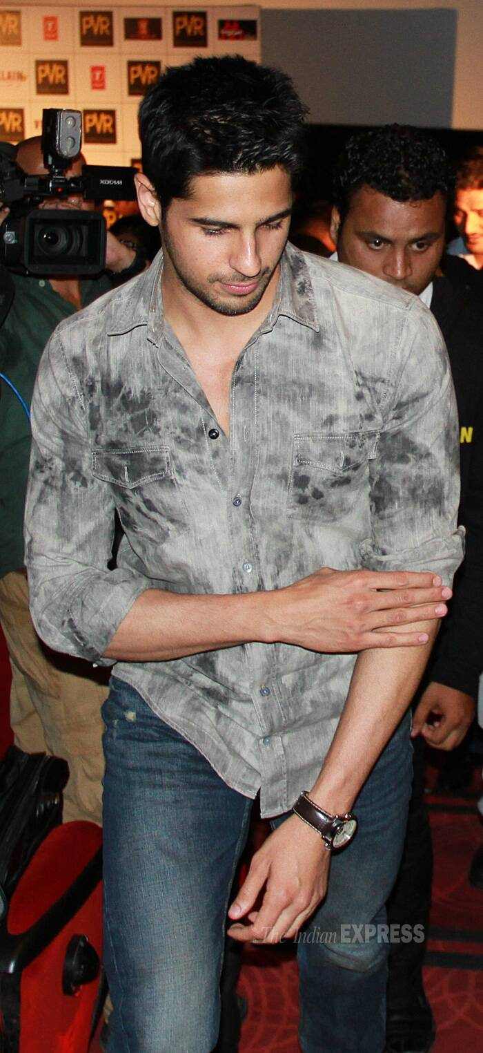Sidharth was cool in a stone-wash print grey shirt and blue denims. (Source: Photo by Ajnavi Tarannum)