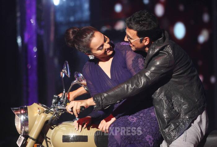 Sonakshi and Akshay have definitely got the right chemistry! (Source: Varinder Chawla)