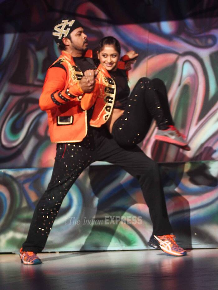 Former cricketer Sreesanth performs on stage along with his partner. (Source: Varinder Chawla)