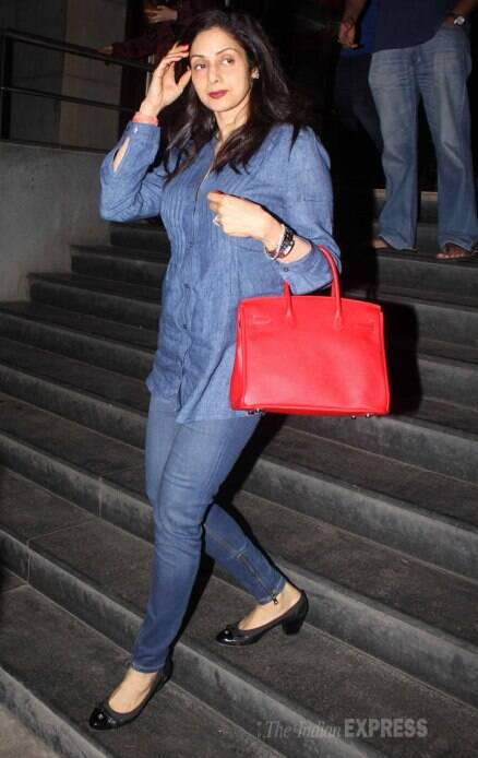 Busy mom! Sridevi out on 2nd movie date with daughters Jhanvi, Khushi