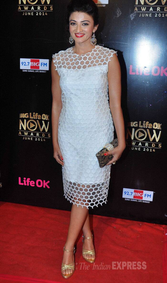 Actress Suhasi Goradia Dhami picked a white dress with a pop of red on her lips. (Source: Varinder Chawla)