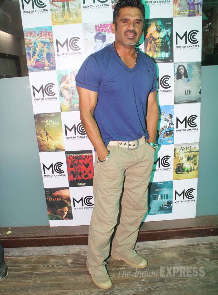 Sunil Shetty looked tough in a blue tee shirt and chinos. (Source: Varinder Chawla)