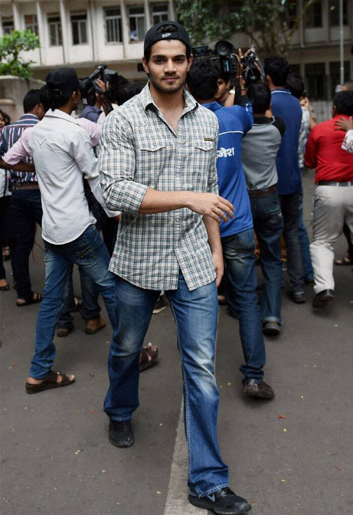 Sooraj Pancholi, Aditya Pancholi's son, is seen coming out from session court  in Mumbai. Sooraj was accused of abetting his girlfriend and actor Jiah Khan's suicide case.  (Source: PTI)