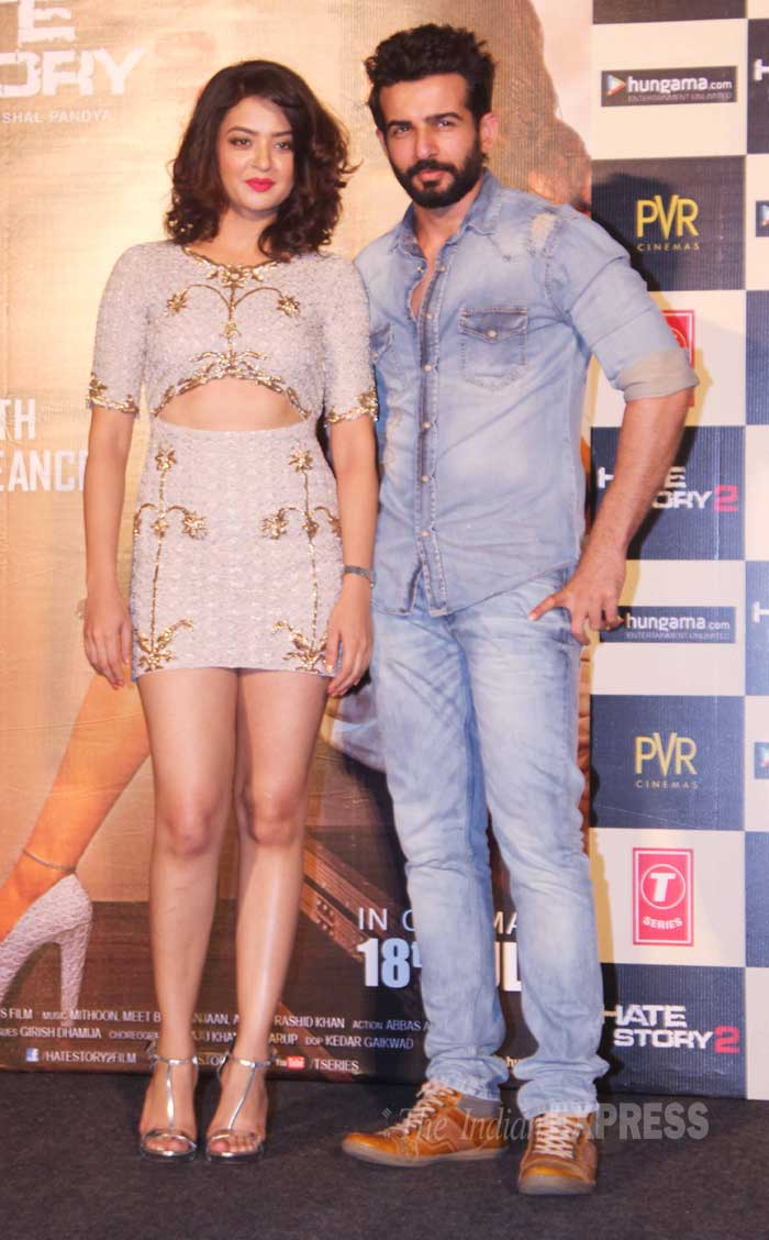 'Hate Story 2' lead pair and former TV stars Surveen Chawla and Jay Bhanushali launched the trailer of their upcoming film in Mumbai. (Source: Varinder Chawla)