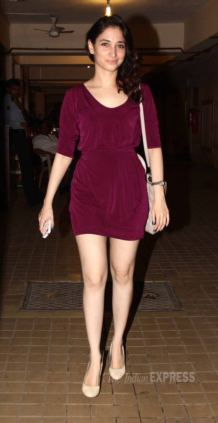 Esha was joined by her co-star Tamannah Bhatia, who showed off her legs in a berry coloured number. (Source: Varinder Chawla)