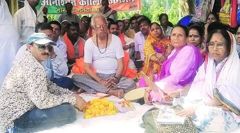 BJP MLA Shyam Dev Rai Chaudhary, 75, fasts with the demand that the PM's constituency be free of power cuts.Maulshree seth
