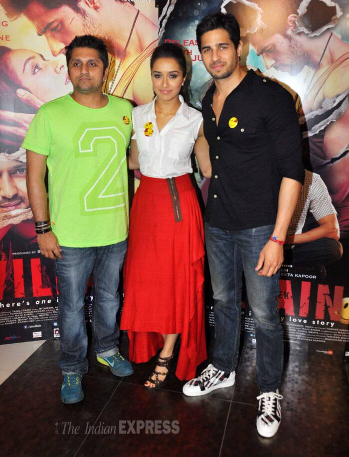 'Ek Villain' actors Shraddha Kapoor and Sidharth Malhotra along with their director Mohit Suri have been busy promoting their much awaited film. And the actors were seen spending the Monday evening interacting with the press ahead of its release on June 27. (Source: Varinder Chawla)