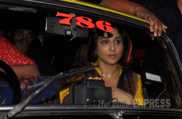 Ditching her comforts! After her prayers, Vidya left the Dargah in a taxi. (Source: Varinder Chawla)