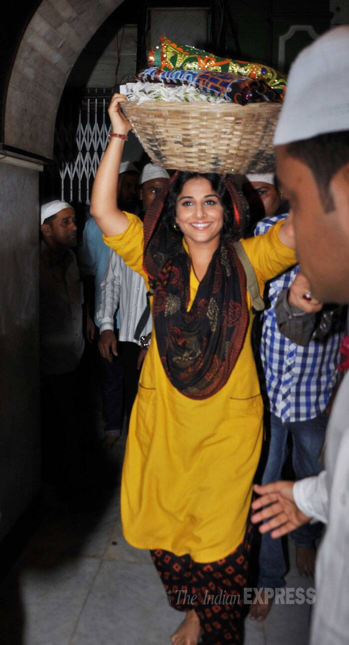 Vidya, who wore a simple salwar suit for her visit to the dargah, was all smiles while leaving. (Source: Varinder Chawla)