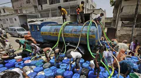 It was felt that the government must develop a long term master plan to address the water and sewerage issues in Delhi. (source: AP)