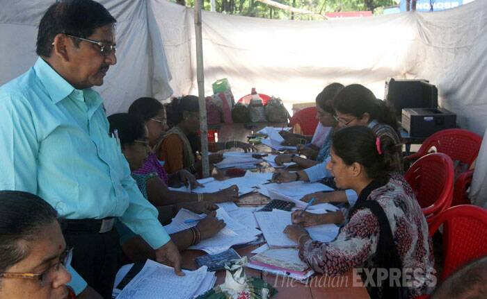 Women take a written test for railway police recruitment exam in Mumbai on Wednesday. (Source: Express photo by Deepak Joshi)