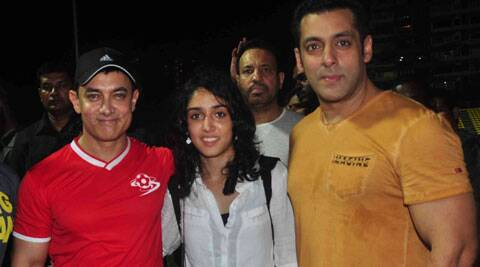 Superstar Salman Khan and Aamir's close friend distributed prizes to all.