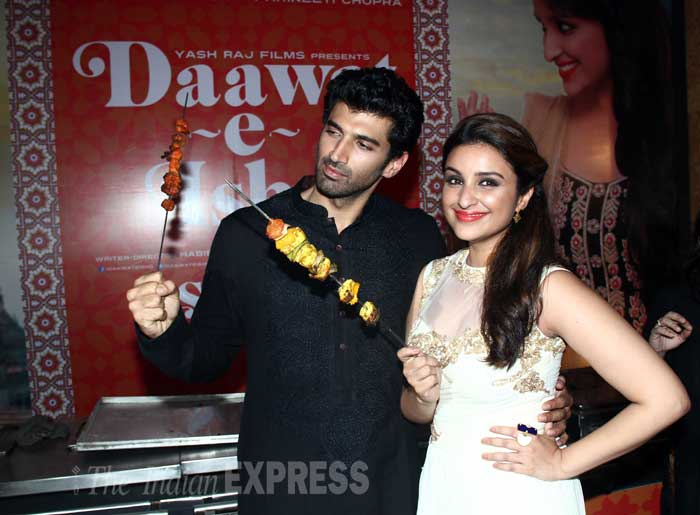 It's the season for never-seen-onscreen-before couples and the latest to join the list is Aditya Roy Kapur and Parineeta Chopra. The duo launched the trailer of their upcoming film, 'Daawat-e-Ishq' at Aditya Chopra's Iftaar party on Monday (July 7). (Source: Varinder Chawla)