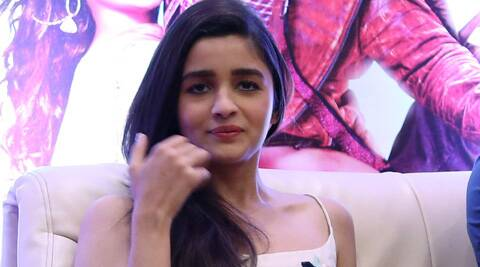 Bollywood's young talent Alia Bhatt is set to offer hairstyling tips to her fans.