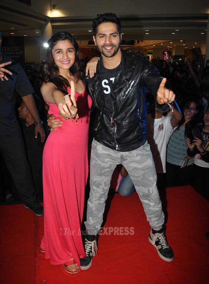 Varun also made it clear that he is not dating anyone. However, in real life he would want to have a life partner like Alia's character, Kavya in their upcoming film 'Humpty Sharma Ki Dulhania'. (Source: Varinder Chawla)