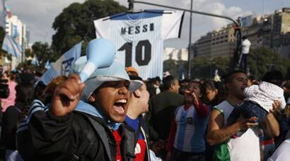 FIFA World Cup: Argentina return home to 'champions welcome'