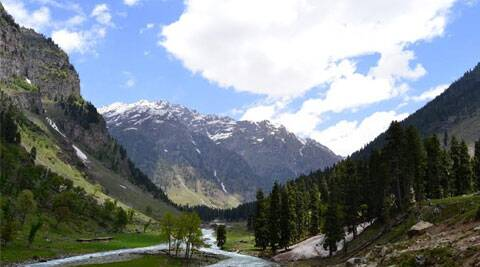 Love adventure or nature? Head to Aru Valley in Kashmir