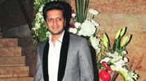 Riteish Deshmukh plays the Bank Chor