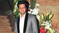 Riteish Deshmukh plays the BankChor