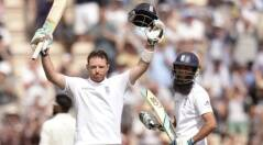 India tour of England: Ian Bell blossoms in Rose Bowl, England pile on