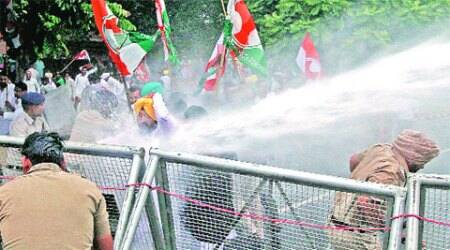 Cops foil Youth Cong march to Assembly, trafficdisrupted