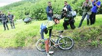 Another champ bites dust as Contador tumblesout