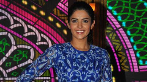 Deeksha, who is a popular face in Southern film industry, said she knew from the very beginning that both will share the limelight as they are newcomers in Bollywood.