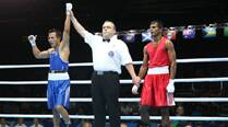 Vijender, Devendro advance, Shiva crashes out