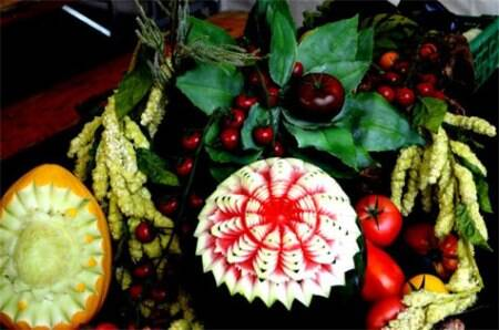 Fruit art and decor. (Source: Swasti Pachauri)