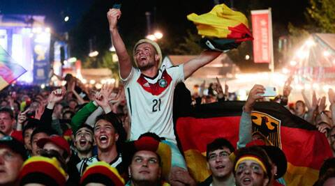 German fans react as they watch a live broadcast of the final match between Germany and Argentina (Source: AP)