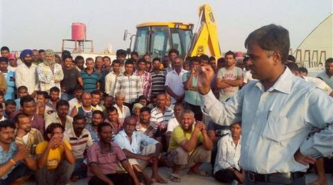 An Indian diplomat proactively engaged with the workers in their site of work in Najaf, Iraq on Wednesday.  (Source: PTI Photo)
