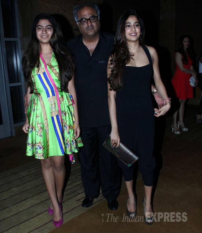 Sridevi's husband producer Boney Kapoor was also present along with their daughters Khushi and Jahnvi. <br /><br /> Sridevi's elder daughter Jhanvi is turning out to be a stylista. Her younger daughter Kuhshi was bright in a green flirty dress.(Source: Varinder Chawla)