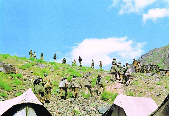 Soldiers at a camp on an unknown date during the 1999 Kargil war. (Source: Express archive photo)