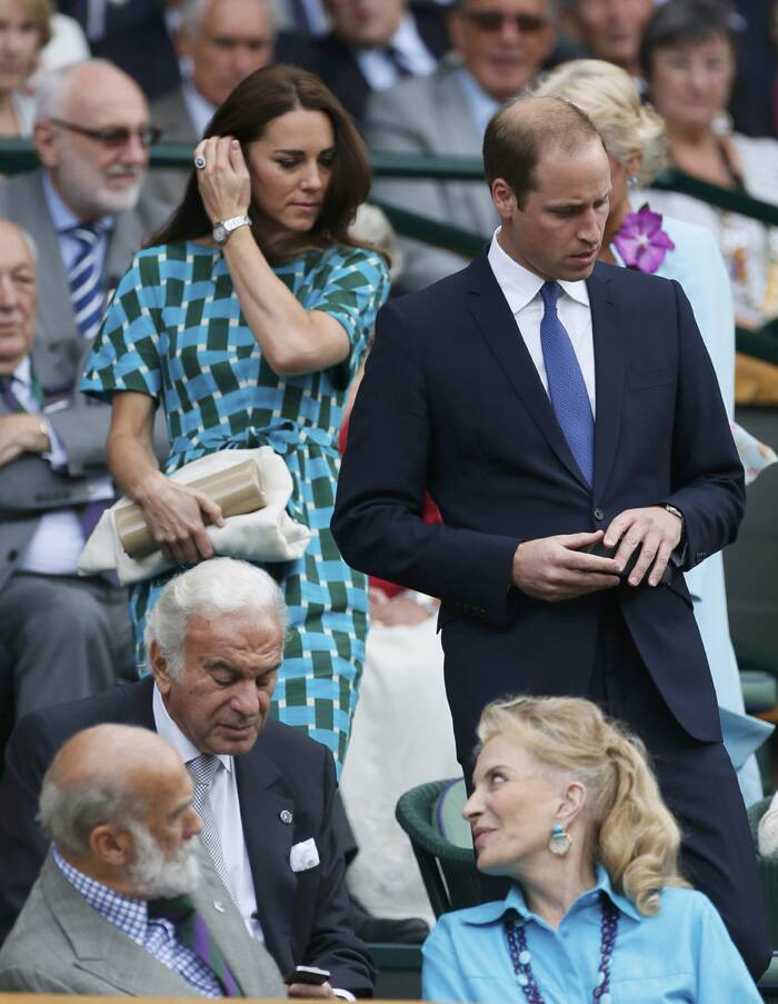 Prince Wililam and the Duchess of Cambridge arrive on Centre Court at the Wimbledon Tennis Championship. (Source: Reuters)