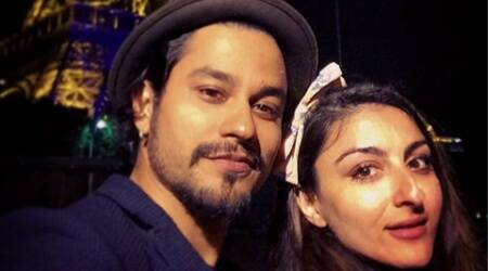 Kunal Kemmu reveals the story behind the surprise proposal to Soha Ali Khan.
