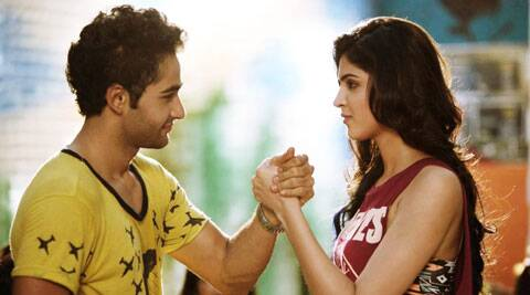Film review Lekar Hum Deewana Dil.