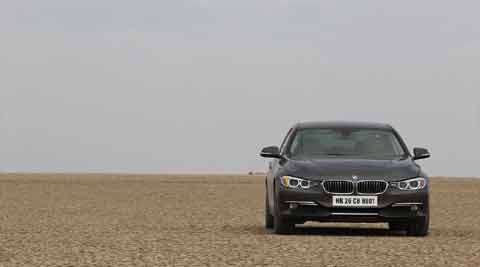 We packed our bags, picked up the key to the BMW 320D and left Mumbai after a heavy and fulfilling breakfast.