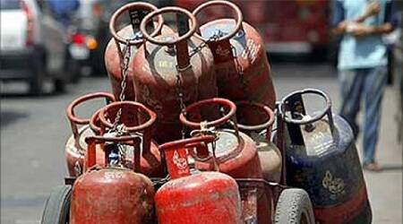 Government targets 1 crore consumers to give up LPG subsidy